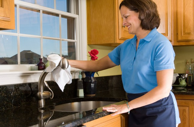 Clean Your Kitchen in 10 Easy Steps